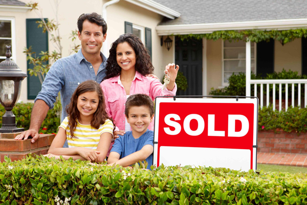 home-sold-florida-mixed-family_600x400